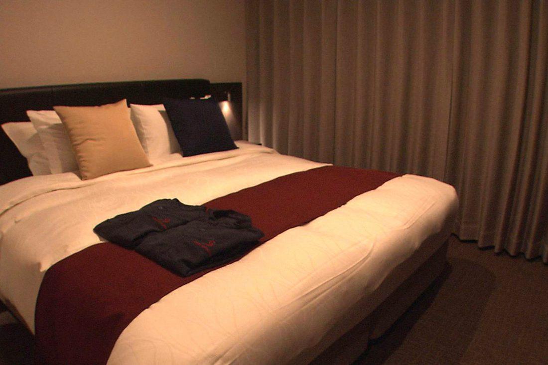 心地良い眠りを誘うシモンズ社製ベッド