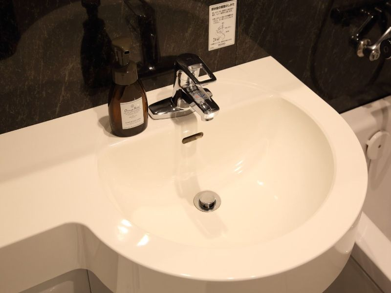清潔な洗面台。シングルレバーで温度調整楽々◎